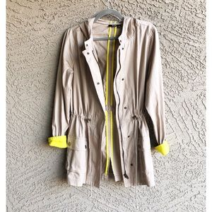 A.N.A ✨NWOT Hooded Anorak Field Jacket Yellow Cuff